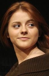 Актеры из сериала Сериал Кризис нежного возраста - Ксения Суркова